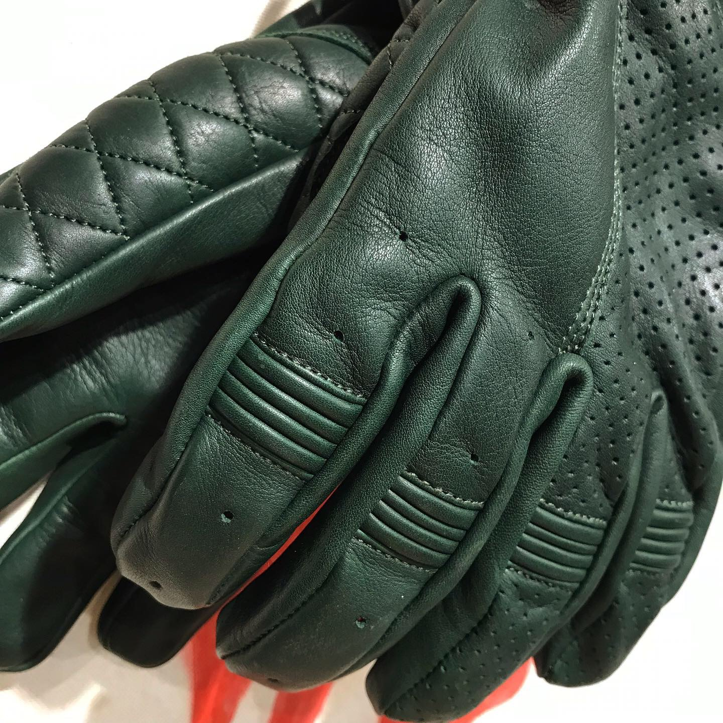Goldtop: bobber gloves british racing green
