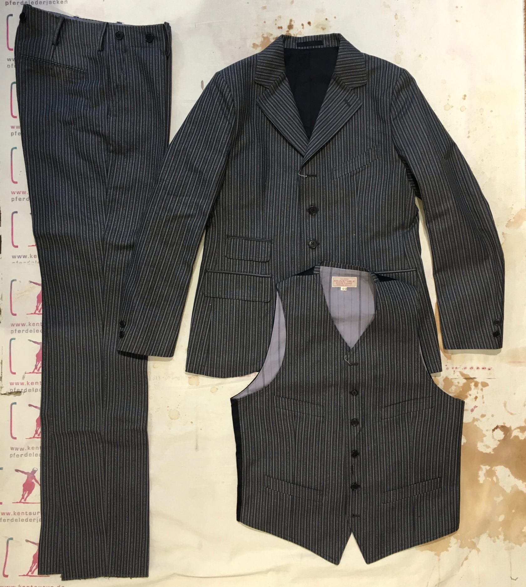 Adjustable costume 3 piece suit