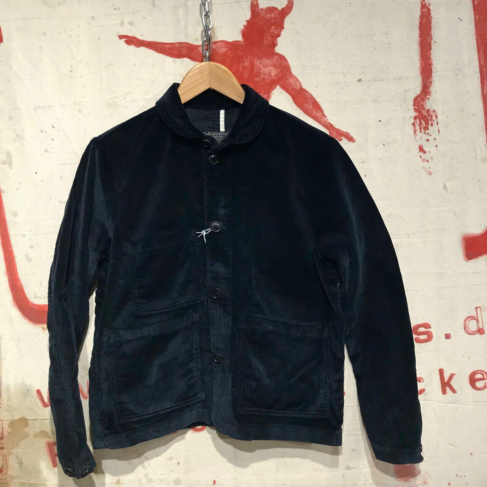 1st Pat- rn : black cord jacket