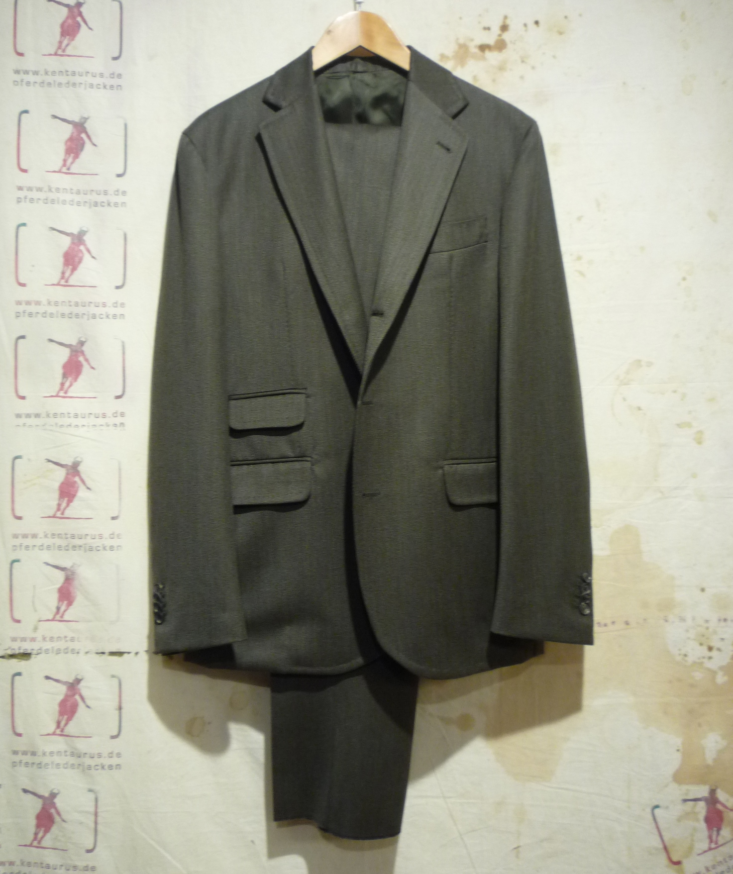 S.Piccolo olive wool suit