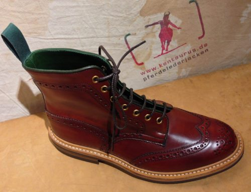 Tricker`s stow boot teck cordovan